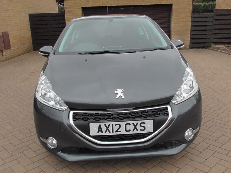 View PEUGEOT 208 HDI ACTIVE